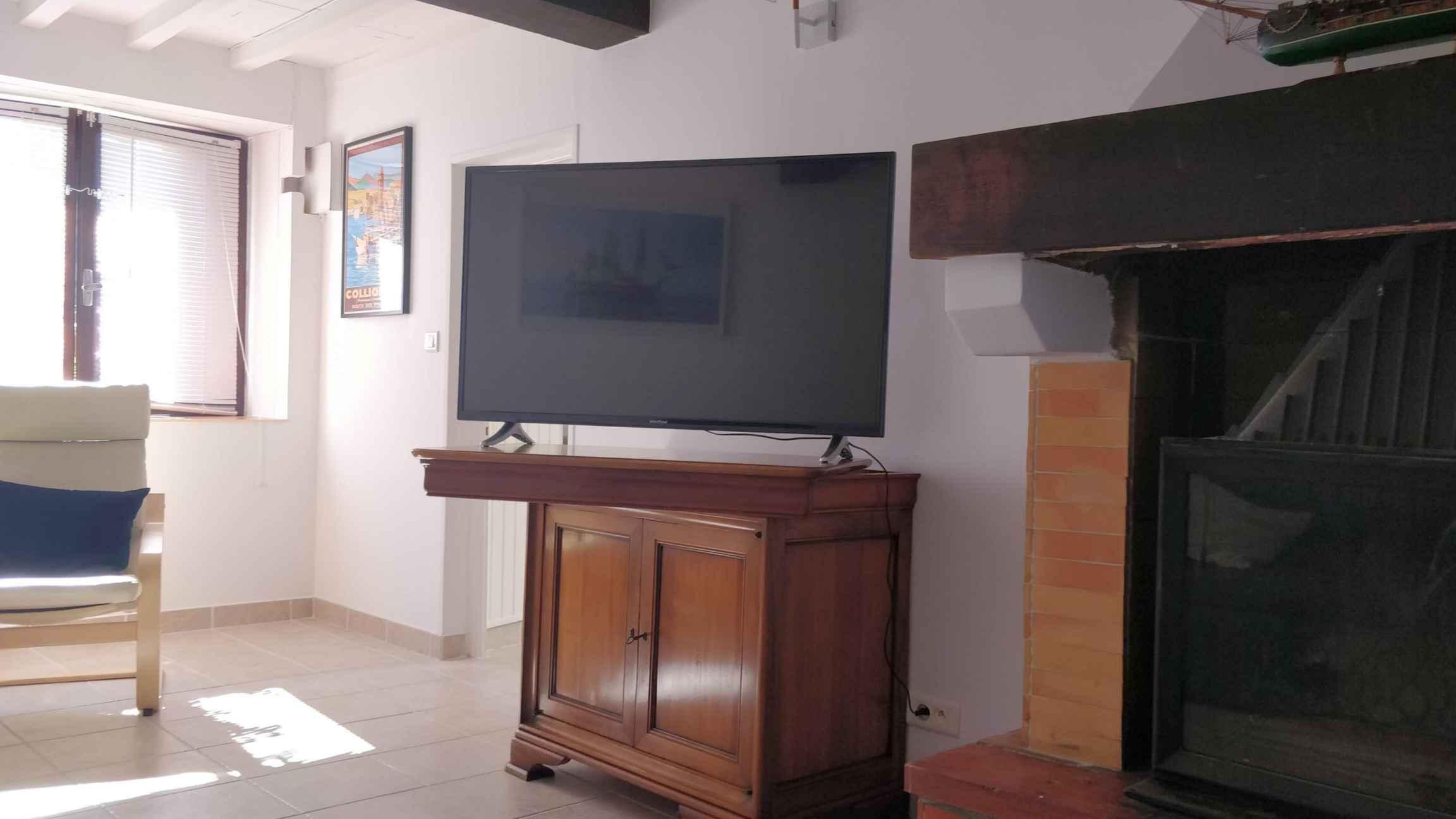 Grande TV avec Chromecast