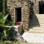 Escalier d'accès à l'entrée de Can Bassou