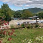 piscine partagée entre les gîtes Vallespir