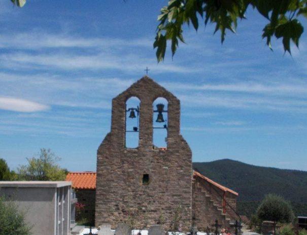 Église romane de Taulis: point de déport pour la route des 66 églises romanes du Vallespir !